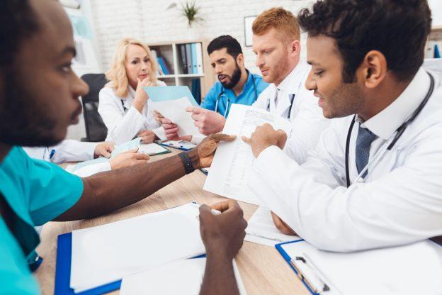 Choosing a LASIK surgeon